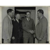 1932 Press Photo I. Bell, Bob O'Farrell, Bill Terry, Manager, Frank Hogan
