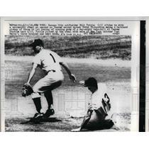 1958 Press Photo Kansas city Outfielder Bill Tuttle Slides To Steal 2nd