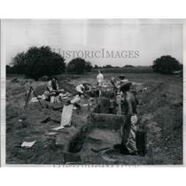 1948 Press Photo Excavations of Former Indian Village Saline County - nea24196