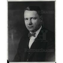 1929 Press Photo H. P. Jaeger, A Bridge Player In Suit & Bow Tie - nea30776