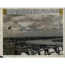 "1940 Press Photo Aerial view of the Mississippi River ""Crescent City""."