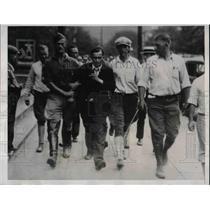 1932 Press Photo George Hart being taken into custody - nea27520