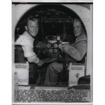 1954 Press Photo Capt Wm Shimp & Glen Ray in cockpit of their plane