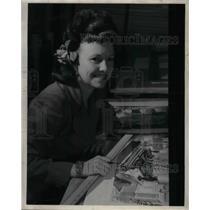 1947 Press Photo Pan Am Employee Pamela Diake - nea34803
