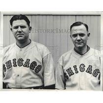 1934 Press Photo Gordon Phelps, Henry Tate, Chicago Cubs Catchers - nea41957