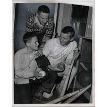 1953 Press Photo Victor Hanko, Don Morris & Coach Lee Trissel With Bats & Balls