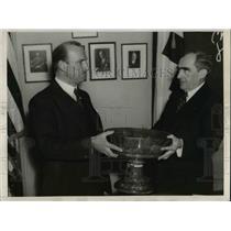 1937 Press Photo Admiral Cary Grayson of Red Cross gets Royal Blue Bowl award