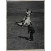 1936 Press Photo Jo-Jo Moore Giants Left Fielder Forced Out By Burgess Whitehead