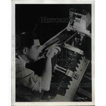 Press Photo J.M. Wallace Westinghouse Engineer H.L. Rawlins