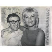 1964 Press Photo British Actor Peter Sellers Wife Swedish Actress Britt Ekland