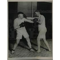 1922 Press Photo Thomas Fitzgerald & William Owens, Hartford Boxing Cops, Train
