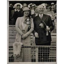 1933 Press Photo James Rowland Angell and wife at Yale VS Harvard Game