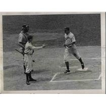 1939 Press Photo Brooklyn Dodger Cookie Lavagetto Crosses Home After Homer