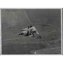 1934 Press Photo Jorgens Out at Third in Yankee and Indians Game - nea44444
