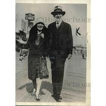 1929 Press Photo Mr. Henry Doherty and bride Traymore Hotel Atlantic City