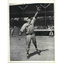 1934 Press Photo Braves infielder Arthur C Whitney at spring training camp