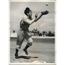 1940 Press Photo Damon Phillips, Rookie Infielder, Cincinnati Reds