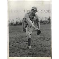 1932 Press Photo Bob Chandler Rookie Pitcher Athletics Spring Training Try Outs