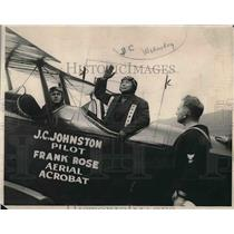 1937 Press Photo Sing Kee & J Johnston in an airplane