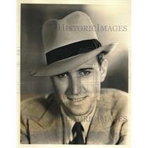 1931 Press Photo Fredric MacKaye, Plays Role of Reporter - nex01050
