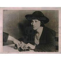 1920 Press Photo Pauline Buenzie, California State Finger Print Department