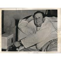 1940 Press Photo St Louis Cardinals Jimmy Brown in Hospital with Broken Nose