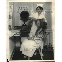 1924 Press Photo Muriel Dae, Violinist on WFBH and Hair Waver