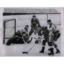 1963 Press Photo Floyd Smith, Red Wings, Earl Ingarfield, 10, Ranger