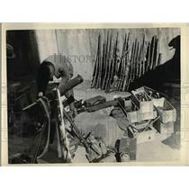 1929 Press Photo Weapons In Room Being Checked Before Transfer To Police Station
