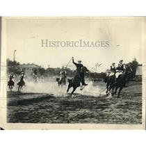 1924 Press Photo Major Thomas Shyrock of Army Driving to Goal in Polo