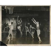 1927 Press Photo Yale University Basketball Team Practice