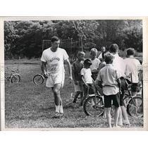1968 Press Photo Gary Lane & Bike Brigade Cleveland Browns Stadium - nea54576