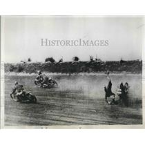 1933 Press Photo James Watkins, Daredevil Cyclist at Detroit Speedway