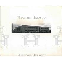 1943 Press Photo Administration Building Aircraft Engine Company - nea61297