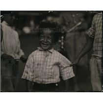 1920 Press Photo of a smiling Hawaiian boy