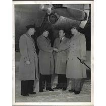 1944 Press Photo TWA celebrates 6000th overseas crossing at D.C. airport