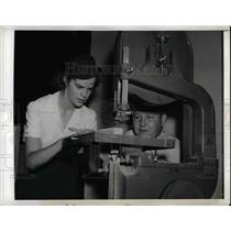 1942 Press Photo Margaret Johnstone & Instructor Donald Rothera At Air Scouts