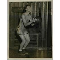 1927 Press Photo Sid Liftin, Basketball Forward, College of the City of New York