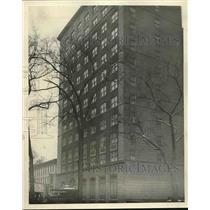 1927 Press Photo Street Level View of the Famous Ambassador Hotel in Chicago