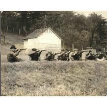 1924 Press Photo Sen. Brookhart coaching the National Capitol Riflemen team