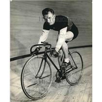 1936 Press Photo Saveer Van Slambrouck, Bicyclist from Belgium