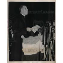 1938 Press Photo Bishop Stephen J. Donahue Addresses Anti-Nazi Rally