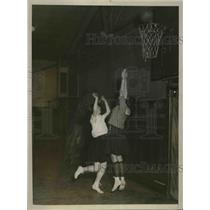 1925 Press Photo Hunter College Girls Play Basketball