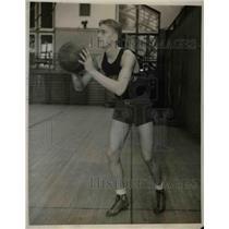 1931 Press Photo Bob McCarnes, Northwestern University Basketball Center