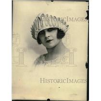 1922 Press Photo novel Toque of crepe de chine, designed by Maison of Paris