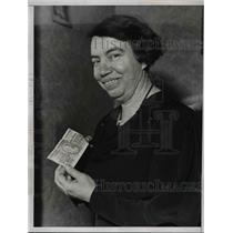 1935 Press Photo Mrs Mary Keegan with Sweepstake Ticket