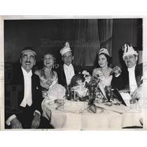 1934 Press Photo Hotel Weylin New York William McKinley Louise Husak New Years