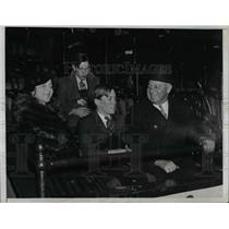 1935 Press Photo Millionth Customer Gets Boxseats