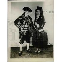 1927 Press Photo Robert P. Vallee Henry Brown Jr. Play Spained Ankles