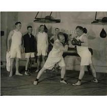1923 Press Photo Roy Fitzgerald & OJ Larson Box In Congressional Gym - nea67335